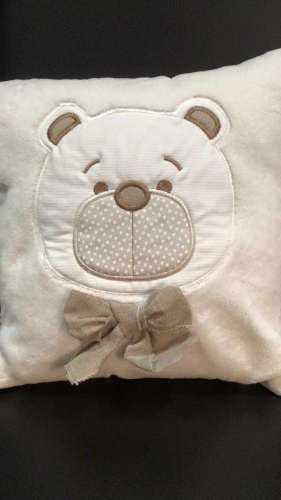 Cuscino peluchoso orsetto