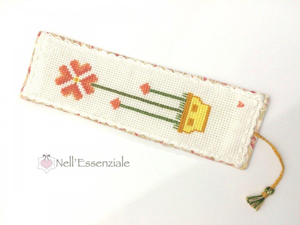 Segnalibro ricamato - segnalibro a punto croce - Segnalibro con fiori -