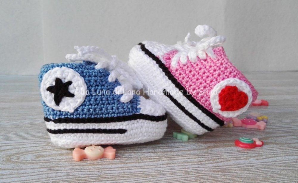 Scarpine uncinetto per neonato Converse all star