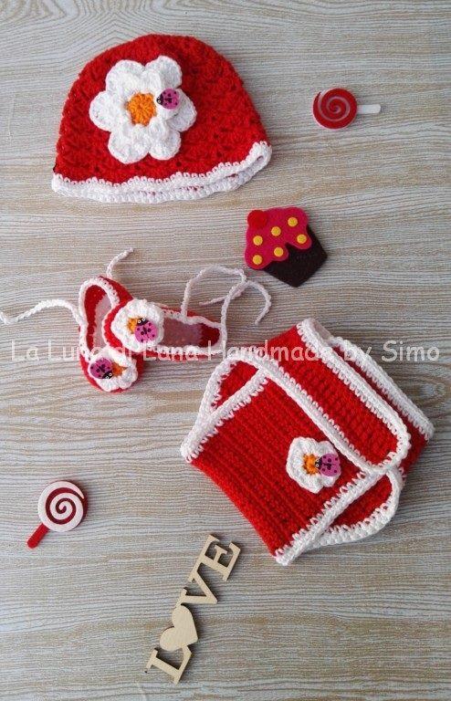 Cappellino uncinetto e scarpine bimba neonata con copri pannolino coordinato
