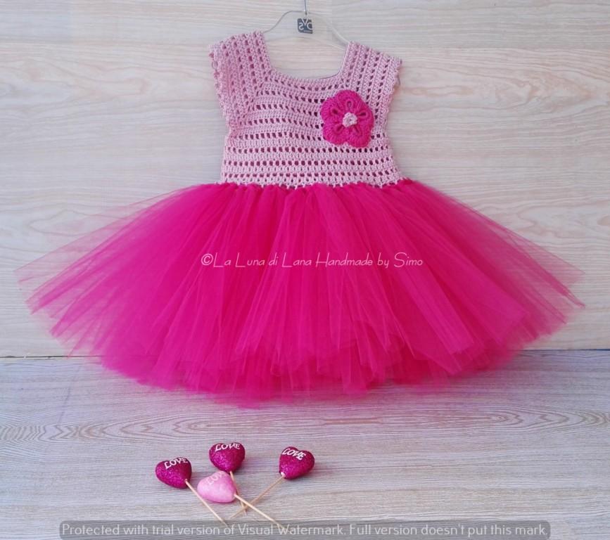 Vestitino  uncinetto e tulle rosa fucsia per bambina