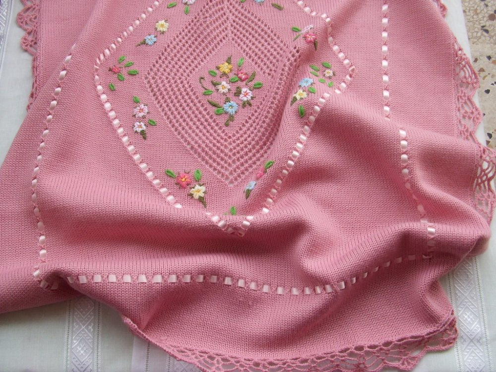 coperta culla lana  maglia ricamata a mano