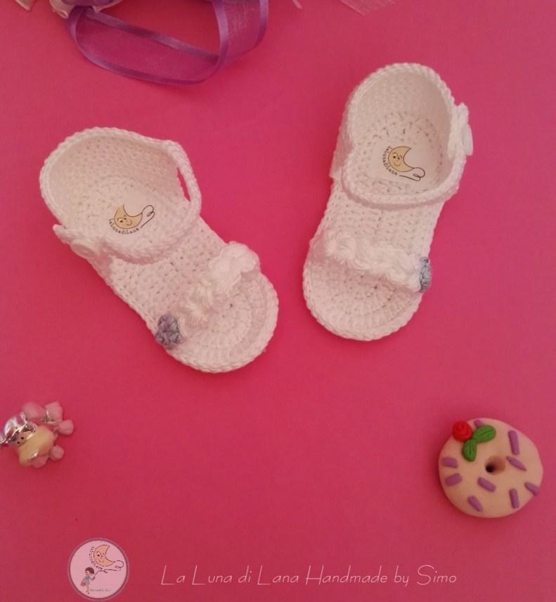 Sandali ad uncinetto per bimba, perfetti per Battesimo