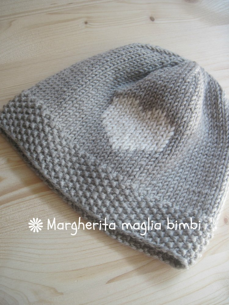 Berretto pura lana merino superwash con cuore ricamato -  cappello neonato, bambino, bambina