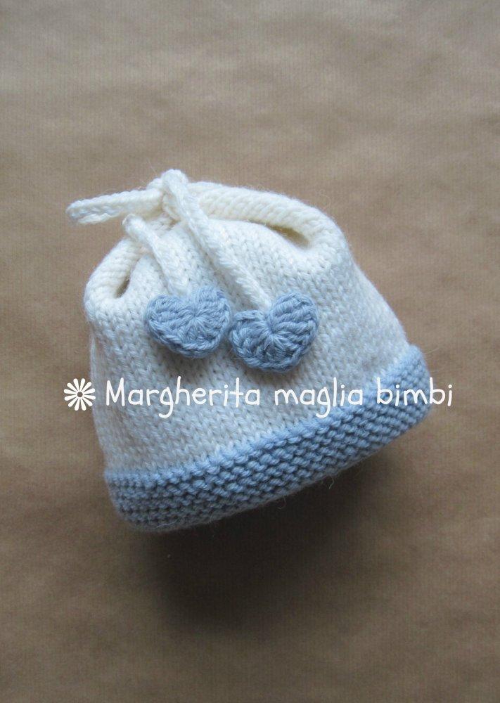 Cuffia, berretto, cappellino neonato con fiocco e cuoricini bianco e  blu ghiaccio