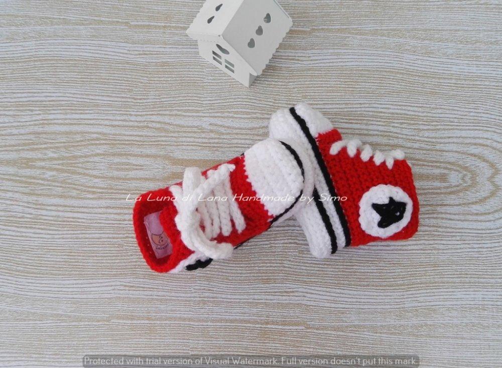 scarpette per neonato stile Converse