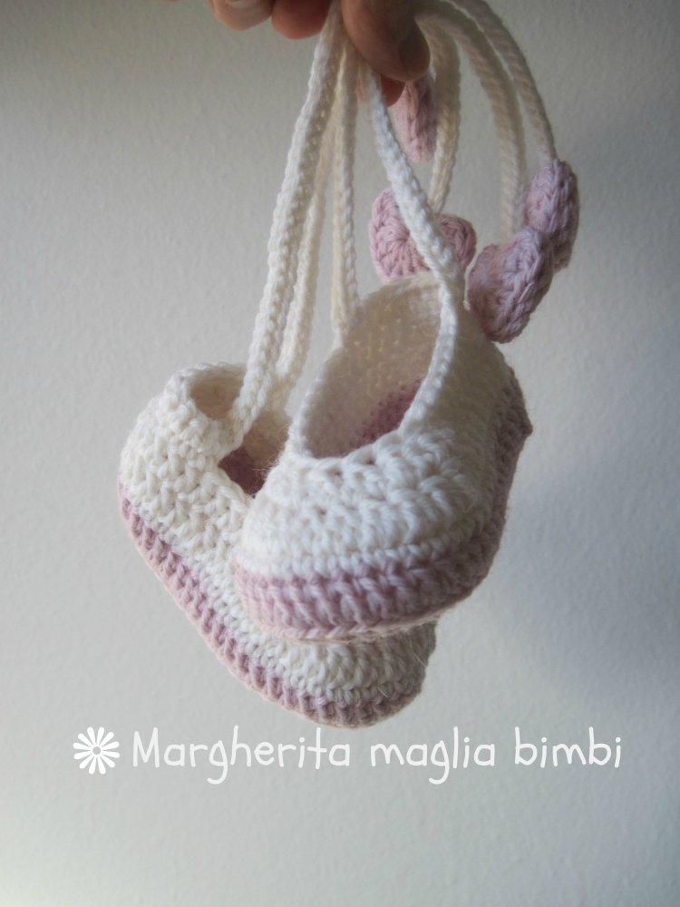 Scarpine ballerine bianche e rosa con fiocco e cuoricini - in lana e alpaca - fatte a mano