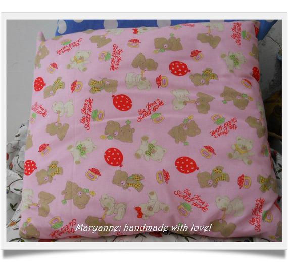 Cuscino porta pigiamino rosa con orsetti