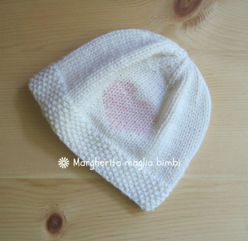 Berretto cappello neonato bambina bianco con cuore rosa fatto a mano -  merino superwash d228f3bec6da