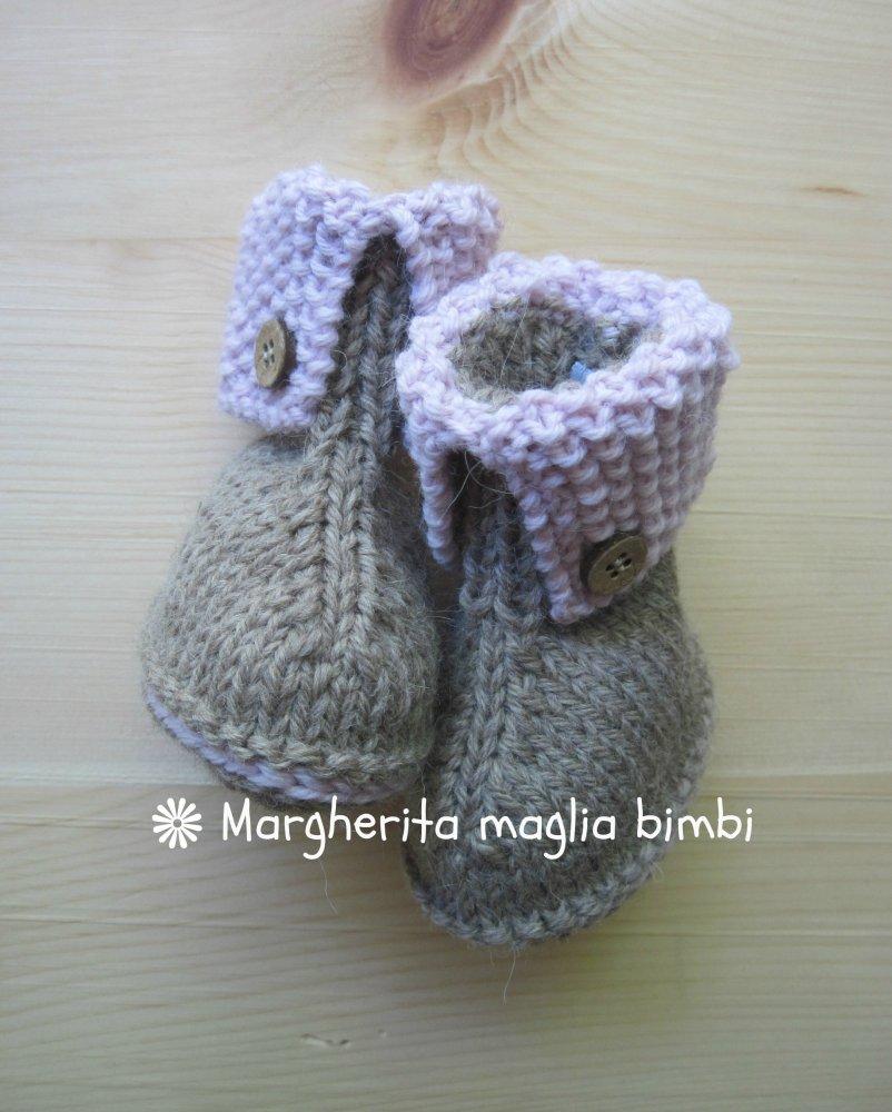 Stivaletti/scarpine neonato in lana e alpaca beige e rosa con bottoncini in legno