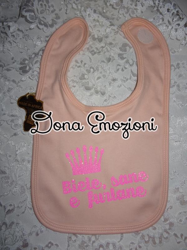 Bavaglino rosa con scritta glitter in friulano