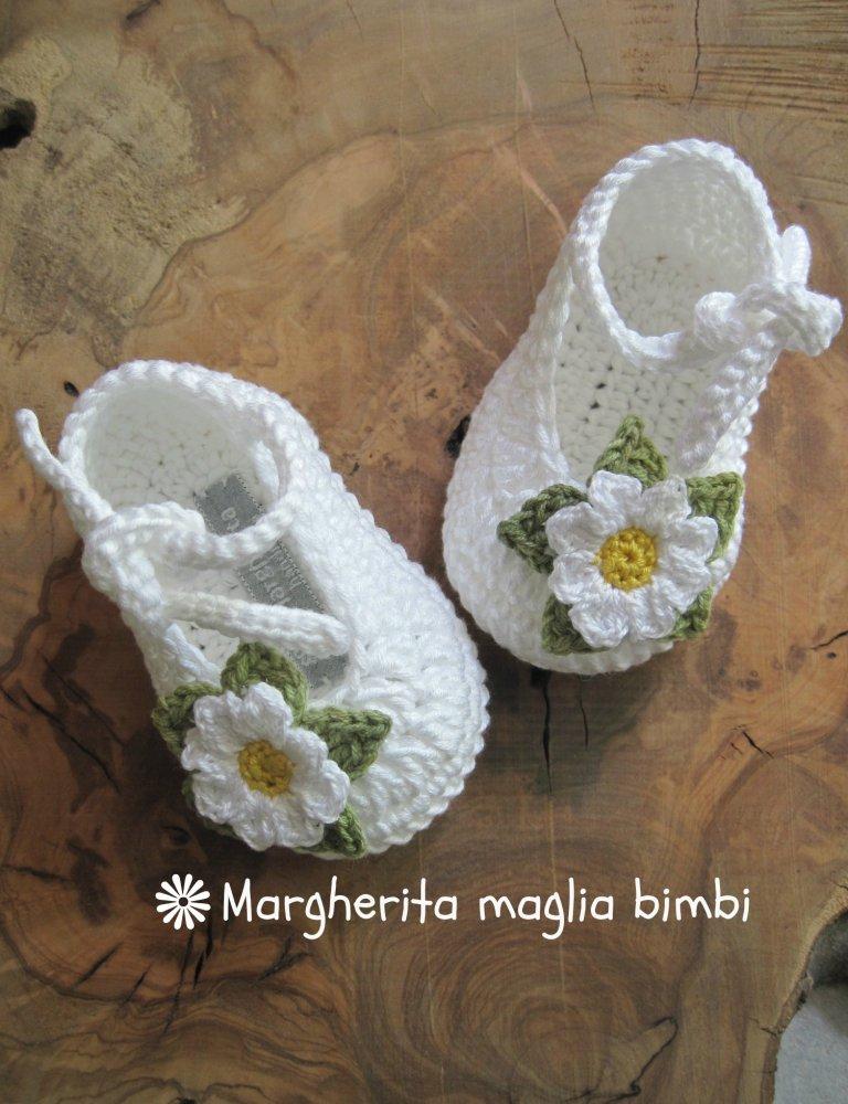 Scarpine Bianche Neonatabambina Con Laccetto E Margherita