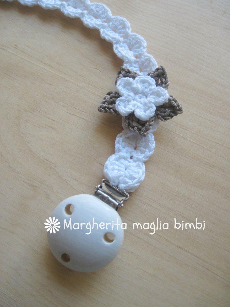 Portaciuccio in cotone bianco con fiore bianco/tortora fatto a mano - uncinetto