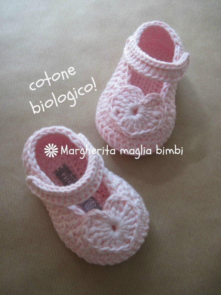 Scarpine cotone bio rosa cuore - neonata/bambina fatte a mano - uncinetto