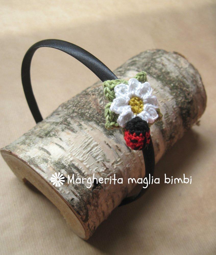 Cerchiello capelli  margherita  e coccinella -  fatte a mano - uncinetto - idea regalo bambina