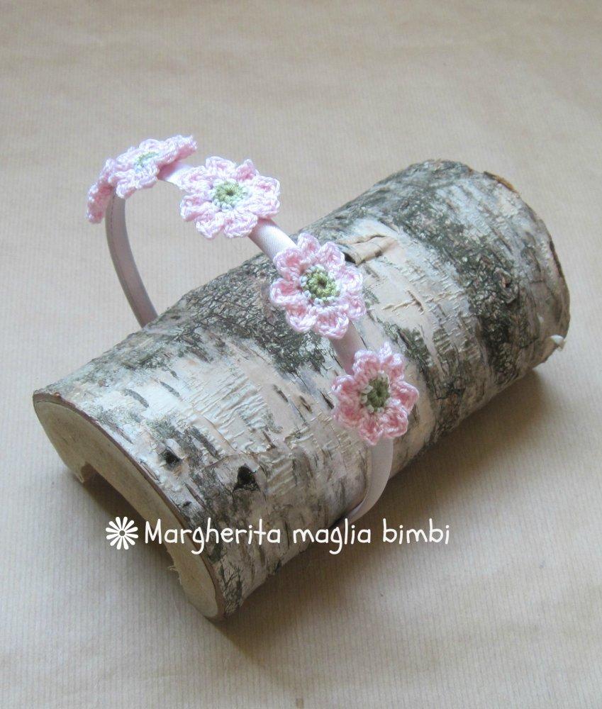 Cerchiello rosa con fiori rosa crochet - accessorio bambina - uncinetto - fatto a mano