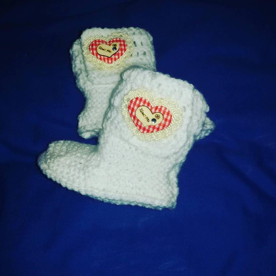 Stivaletti scarpette tipo Ugg  da 1 a 4 mesi