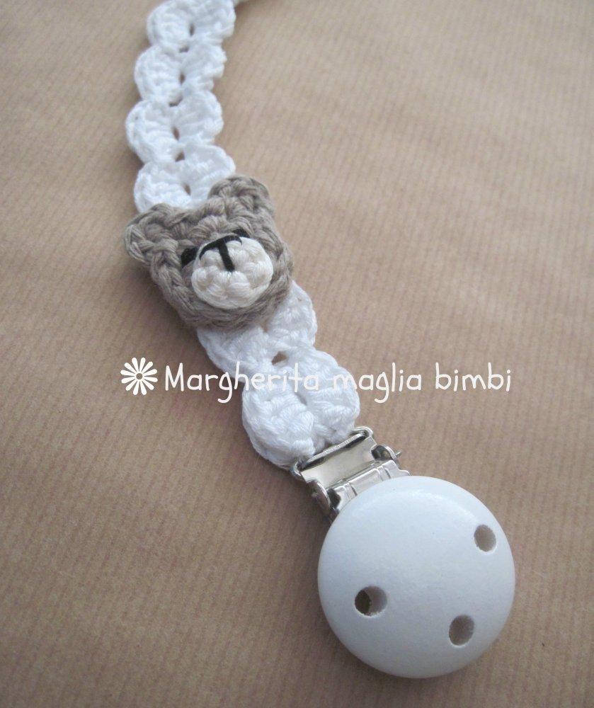 Catenella portaciuccio  bianca con orsetto, in cotone, fatta a mano, uncinetto