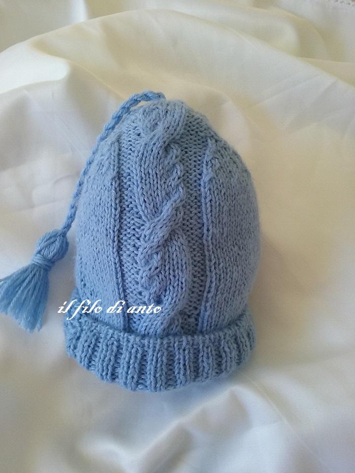 Cappello bambino azzurro in lana