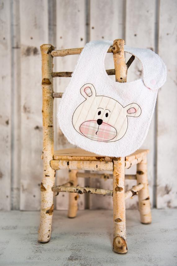 bavaglino bambina ricamato con orsetto rosa