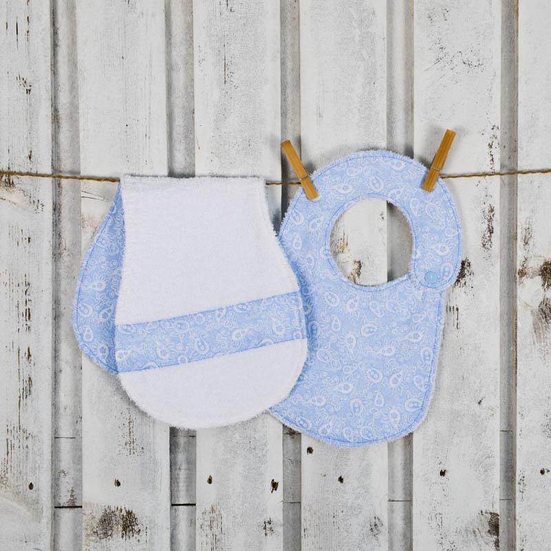 Set azzurro per neonati con bavaglino e salvietta salvaspallla per ruttino