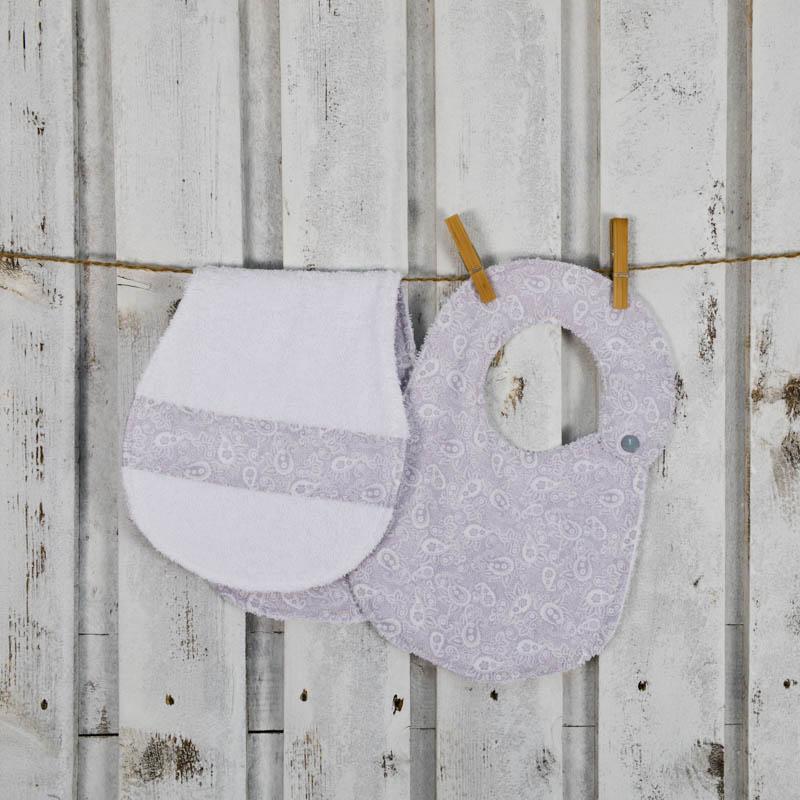 Completo bavaglino grigio per neonati con salvietta salvaspallla per ruttino