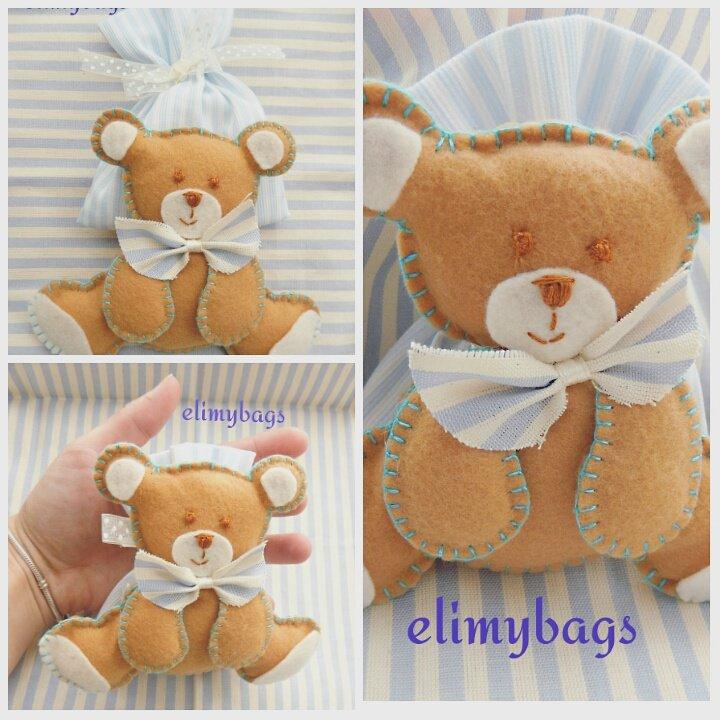 Bomboniera azzurra con pupazzetto orsetto di feltro da bambino