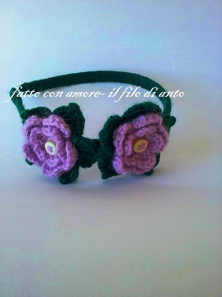 Cerchietto per capelli con fiori fatti a mano