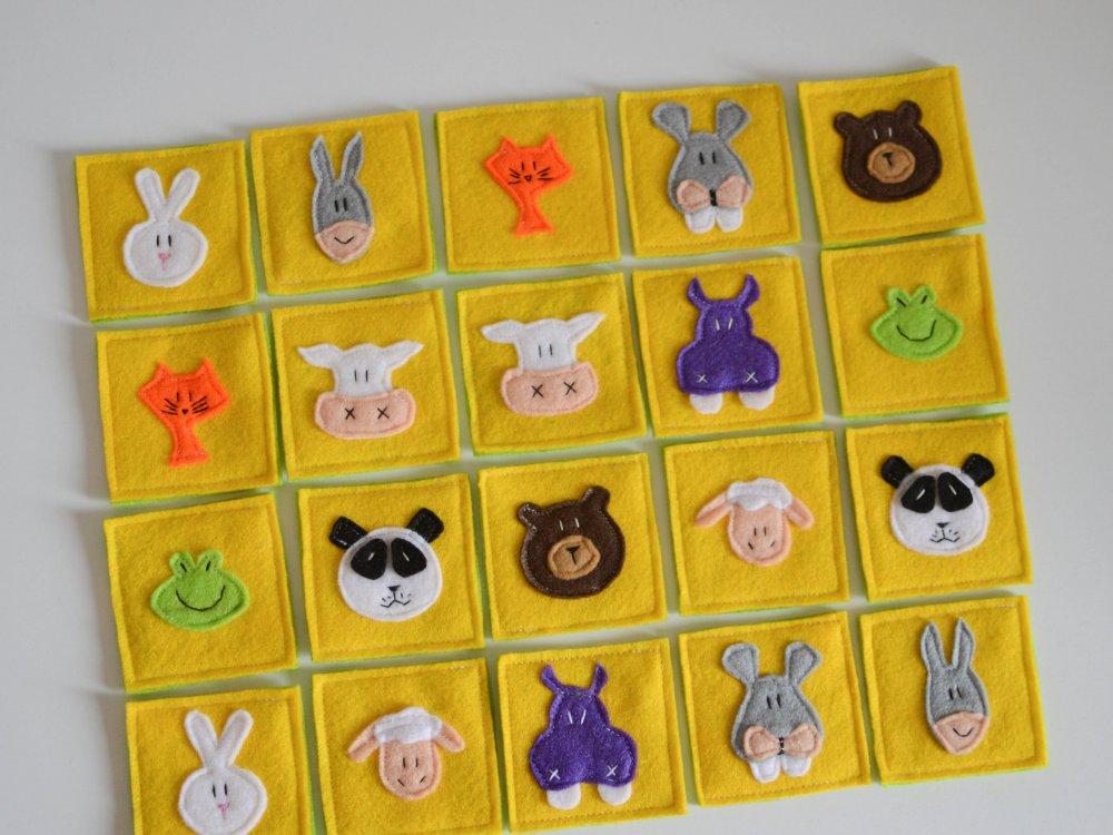 Gioco memory in feltro a tema animali conservato in un sacchetto di stoffa e chiusura in velcro