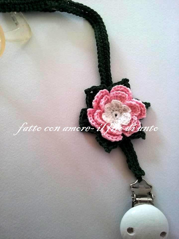 Catenella porta ciuccio con fiore