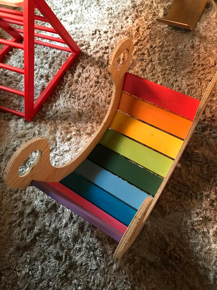 Multicolor Balance Board di ispirazione Waldorf/Montessori/Pikler