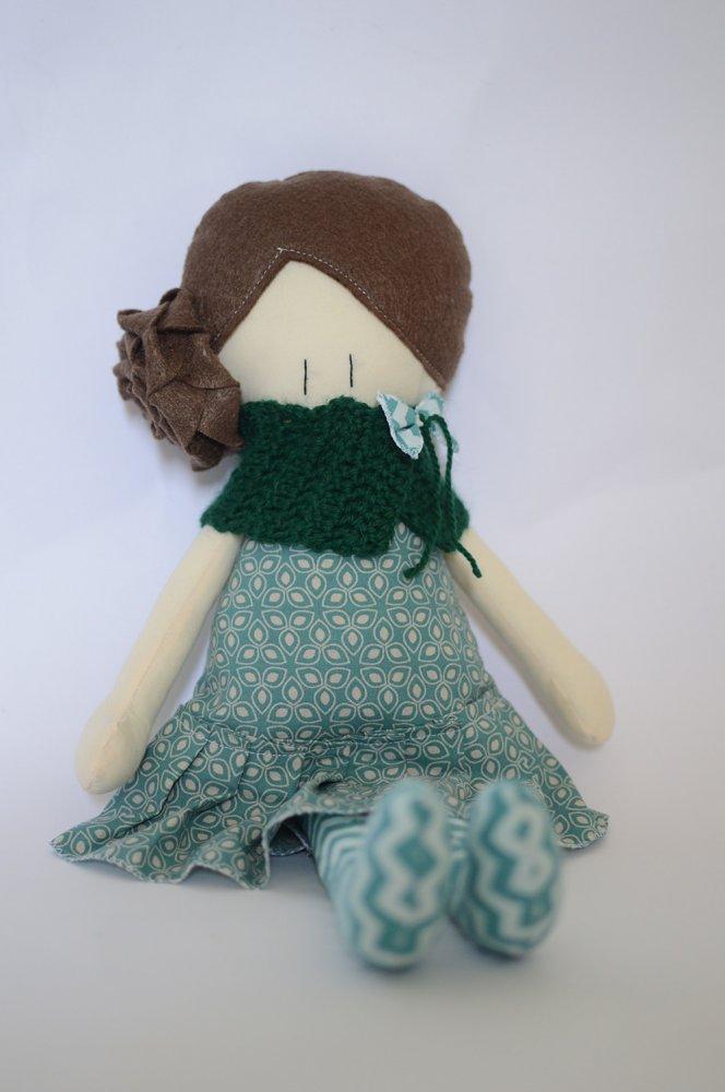 Bambola di stoffa Amicoccola con vestito verde menta