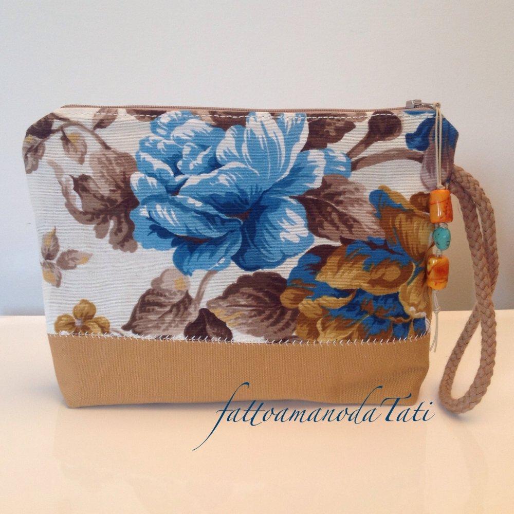 Pochette in cotone tinta naturale con soggetti marini nei toni beige ed azzurri