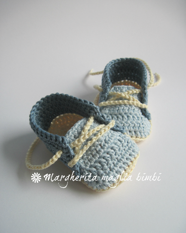 Scarpine neonato alla bebè con lacci - cotone - fatte a mano - uncinetto - baby shower