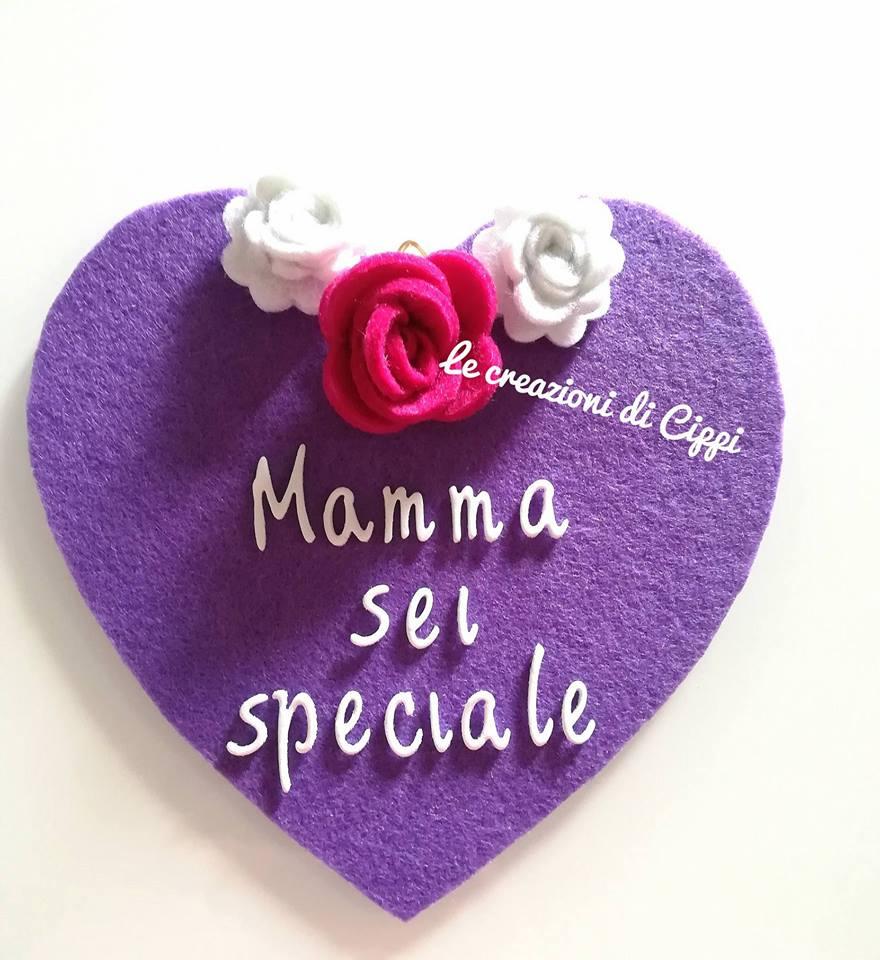 Cuore in feltro idea regalo festa della mamma con frase personalizzata.