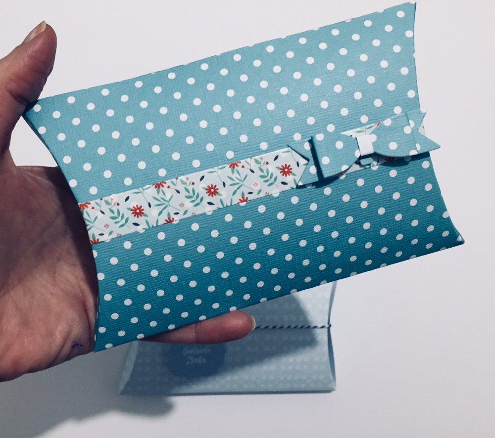 Scatoline in carta portaconfetti e piccoli omaggi doni